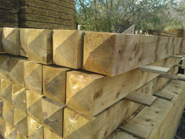 GATE POST TREATED DIAMOND TOP 6in x 6in x 8ft (150MM x 150MM x 2 4MT)